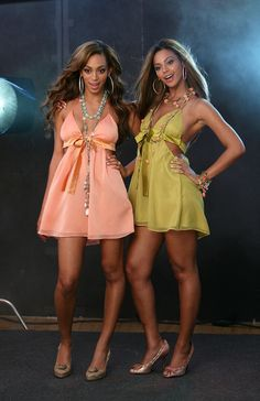 Beyonce and Solange omg they look like twinz Beyonce Knowles Carter, Beyonce And Jay Z, Solange Knowles, Beyonce Beyonce, Estilo Beyonce, Beyonce Style, King B, Athletic Hairstyles, Celebrity Siblings