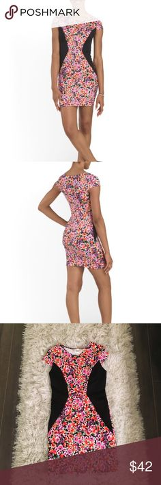 Brand new floral body con 😍 This dress is so flattering, the black fabric is sooooo slimming. Super comfortable fabric, gorgeous colors! Brand new never worn, marked NWT because this was ordered online & never came with a tag but is in out of box condition, absolutely perfect - NEVER worn. Just trying to make my money back, very open to offers!😍🌆 Nordstrom Dresses