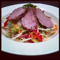 Lykkes Lækkerier: Vietnamesisk salat med stegt andebryst