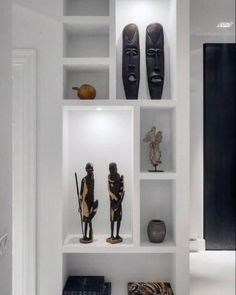 Top 40 Best Recessed Wall Niche Ideas - Interior Nook Designs - - Discover spaces for your worldly treasures and valued art décor with the top 40 best recessed wall niche ideas. Niche Design, Partition Design, Cheap Home Decor, Interior Styling, Interior Modern, Home Remodeling, Living Room Decor, House Design, Top 40