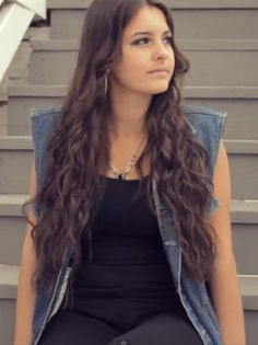 Lisa Cimorelli. so jealous of her hair!