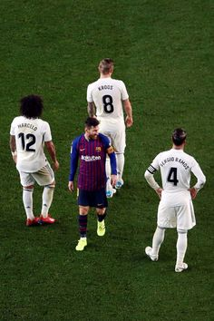 Messi Team, Messi And Neymar, Messi 10, Fcb Barcelona, Barcelona Football, Football Boys, Football Players, Real Madrid Logo Wallpapers, Lionel Messi Wallpapers