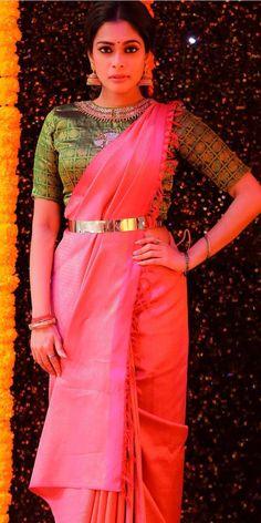 Pattu Saree Blouse Designs, Half Saree Designs, Blouse Designs Silk, Saree Wearing Styles, Saree Styles, Indian Dress Up, Blouse Designs Catalogue, Indian Bridal Outfits, Elegant Saree