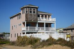 #229 Excellent Semi- Oceanfront Vacation Rental in Kitty Hawk! Includes Private Pool, Hot Tub, and Discounted Membership at Kilmarlic!