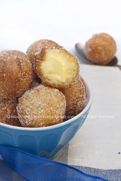 Frittelle o castagnole alla crema: Venetian carnival dessert Cooking For Dummies, Good Food, Yummy Food, Fun Food, Carnival Food, Sweet And Salty, Cake Cookies, Italian Recipes, Sweet Recipes