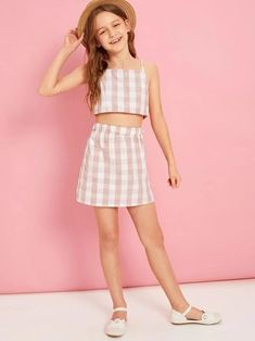 To find out about the Girls Gingham Cami Top and Skirt Set at SHEIN, part of our latest Girls Two-piece Outfits ready to shop online today! Teen Girl Outfits, Dresses Kids Girl, Girls Fashion Clothes, Tween Fashion, Fashion Outfits, Crop Top Outfits, Sporty Outfits, Cute Summer Outfits, Cool Outfits