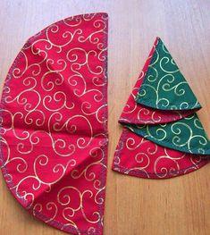 pliage-serviette-Noel-serviette-double-face-rouge-vert-motifs-spirales-or pliage de serviette pour Noël