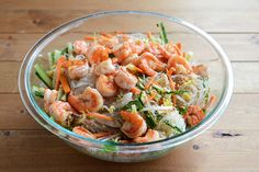 Vietnamese Summer Roll Salad, light and healthy! Fish Dishes, Main Dishes, Cobb Salad, Pasta Salad, Vietnamese Summer Rolls, Glass Noodle Salad, Healthy Cooking, Healthy Recipes, Asian Recipes
