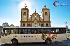 https://flic.kr/p/weZFGK | Onibus & Igreja - Atibaia - SP - Brasil | Há alguns anos, a Igreja do Rosário passou a ser também palco de apresentações de corais e de música erudita.