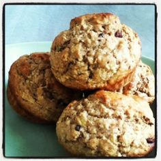 Oatmeal Banana Chocolate Chip Muffins cup quick oats cup milk, dairy or almond 1 small banana, well-mashed 1 egg, lig. Banana Protein Muffins, Zucchini Chocolate Chip Muffins, Chocolate Chip Banana Bread, Baked Banana, Mini Chocolate Cake, Small Batch Baking, Baking Recipes, Muffin Recipes, Freshly Baked
