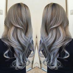 Kumral saç rengi aslında küllü ( koyu gri) saç renginin yoğunlukta olduğu genellikle de kahverengi tonları ile karışık olan saç renkleridir. Doğal saç reng
