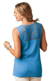 Oh so pretty! Top in rib knit with crochet Woman Within