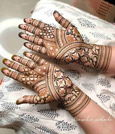Palm Mehndi Design, Henna Tattoo Designs Arm, Basic Mehndi Designs, Mehndi Designs 2018, Mehndi Designs For Beginners, Mehndi Designs For Girls, Mehndi Design Photos, Wedding Mehndi Designs, Mehndi Designs For Fingers