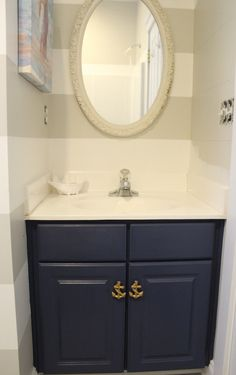 Those anchor door handles are absolutely ace - perfect for nautical bathrooms!