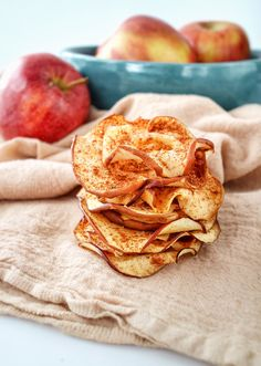 Oven-Dried Apples make for a nutritious & delicious fall snack that's easy to pack!| Recipe on The Nutrition Adventure Fall Snacks, Fruit Snacks, Healthy Snacks For Kids, Vegan Snacks, Apple Recipes, Snack Recipes, Healthy Recipes, Dehydrated Apples, Healthy Popsicles