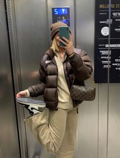 Mode Outfits, Trendy Outfits, Fashion Outfits, North Face Outfits, Looks Pinterest, Mode Ootd, Smart Casual Outfit, Brown Outfit, Mode Vintage