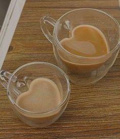 Aesthetic Coffee, Brown Aesthetic, Aesthetic Food, Cute Food, Yummy Food, Cookies Et Biscuits, Coffee Shop, Iced Coffee, Cravings