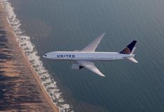 United Airlines B777-200