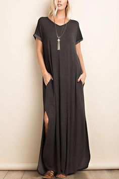 black maxi dress From our Sakora Linn Fall + Winter Style Collection, one of our most popular styles is back and we're loving this maxi in charcoal grey. Black Dress Outfits, Spring Outfits, Casual Dresses, Fashion Dresses, Comfy Dresses, Maxi Dresses, Looks Black, Maxi Wrap Dress, Winter Style