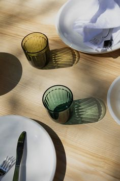 Jasper Morrison's name has become synonymous with inclusive, intuitive design that prioritizes utility over excessive ornament. But don't be caught off-guard by the simplicity of Raami, his new tableware collection for Iittala. Switch House, Restaurant Plan, Shops, Morrisons, Scandinavian Living, Burke Decor, Plates And Bowls, Jasper, Tea Lights