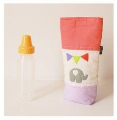 Porta mamadera con elefante de fieltro! Estuche acolchado para llevar la mamadera de tu bebe, potegela al guardarla dentro del bolso. www,facebook.com/micaromia