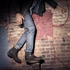 Engineer Boots e Harness Boots: Botas Masculinas Com Estilo Biker - Canal Masculino Cowboy Boots Women, Cowgirl Boots, Western Boots, Riding Boots, Men Boots, Mens Short Boots, Par Ideal, Cowboy Boot Brands, Harley Davidson
