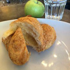 BUONGIORNO con #brioches al farro🍃🍃 #goodmorning #eatwithstyle #croissant #breakfast