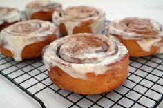A cukor elhagyása nem azt jelenti, hogy le kell mondanod a finomságokról! Egészséges alapanyagokból is isteni süteményeket készíthetsz! Kós...