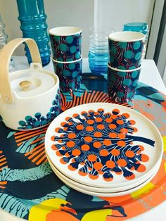 "The new ""merivuokko"" or ""sea anenome"" print from Marimekko is inspired from a… Vintage Kitchenware, Swedish Design, Modern Ceramics, Beautiful Family, Household Items, Scandinavian Design, Textile Design, Surface Design, Ceramic Art"