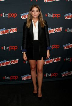 Ashley Benson Photos - Ashley Benson attends New York Comic-Con 2015 - Day 2 at The Jacob K. Javits Convention Center on October 2015 in New York City. - New York Comic-Con 2015 - Day 2 Fashion Tv, Star Fashion, Ashley Benzo, Benson, Love Her Style, Beautiful Celebrities, Beautiful Ladies, Pretty Little Liars, Skater Skirt