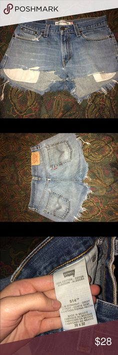 🌞Vintage Levi distressed shorts Levi high waisted light wash shorts. 100% cotton Levi's Shorts Jean Shorts