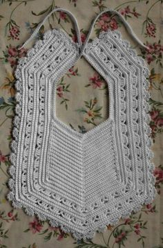 The free crochet baby bib patterns offered here can be crocheted quickly to make some nice baby gifts. #crochetbabygirls