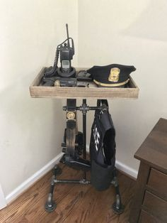 Industrielle Cop Caddy - DIY Cop Caddy Source by amagicalkingdom Police Gear Stand, Police Duty Gear, Tactical Wall, Tactical Gear, Tactical Equipment, Best Home Security, Home Security Systems, Security Companies, Security Tips