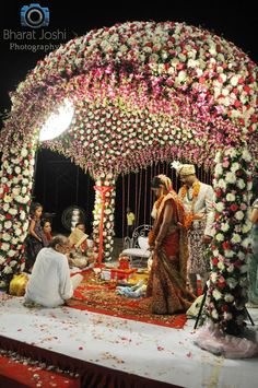 www.sameepam.com mandap idea - flower Wedding Stage Decorations, Marriage Decoration, Wedding Goals, Wedding Prep, Wedding Venues, Wedding Mandap, Wedding Ceremony, Bollywood, Indian Weddings