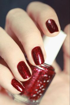 """Essie, """"leading lady"""". Holiday nails."""
