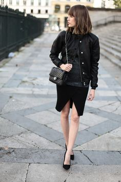 http://intoyourcloset.blogspot.fr/2014/10/cover-your-neck-and-show-your-legs.html