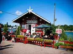 Essi recommends: Visiting the funny cafe Regatta at the seaside of Töölö. Wonderful Places, Beautiful Places, Visit Helsinki, Love Cafe, Healthy Style, Yacht Club, Interesting History, Cafe Restaurant, Beautiful Buildings