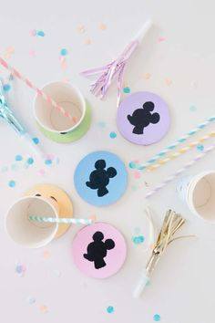'Party like a Pineapple' Party Ideas + FREE printables Dinosaur Balloons, Store Bought Frosting, Mickey Silhouette, Diy Donuts, Cool Coasters, A Little Party, Donut Party, Fun Cupcakes, Baby Sprinkle