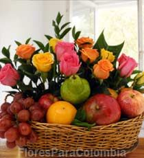 Fruits And Veggies, Vegetables, Hand Bouquet, Colorful Fruit, Amazing Flowers, Floral Arrangements, Balloons, Basket, Mayo