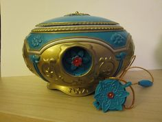 """The Music-Box from the Century Fox movie from 1997 It plays the song """"once upon a december"""" Anastasia Music Box, Anastasia Musical, Disney Music Box, Fox Movies, Bobby Brown Stranger Things, Sailor Moon Wallpaper, 90s Toys, Disney Traditions, Magical Jewelry"""