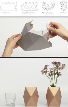 Acrescentar a parede umas formas esquisitas a subir a parede alta superb-diy-ori… Add some weird shapes up the wall to the wall superb-diy-origami-decor Diy Origami, Origami Paper, Diy Paper, Paper Crafts, Origami Ideas, Papier Diy, Diy Y Manualidades, Paper Vase, Art Diy