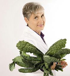 Dr. Wahls with Kale