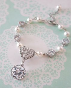 Forever Love Victorian Style Pearl Bracelet, brides, bridesmaid bridal shower gifts, wedding jewelry, www.glitzandlove.com