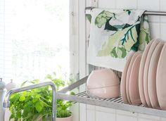 PENTIK - Omenankukka Kitchen Towel Apple Flowers, Kitchen Towels, Spring, Decor, Decoration, Tea Towels, Decorating, Deco