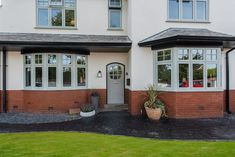 The most authentic heritage windows and doors. Bay Window Exterior, House Paint Exterior, Dream House Exterior, Exterior Design, 1930s House Extension, House Extension Design, Porch Extension, Extension Ideas, Green Windows