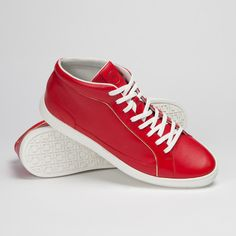 Vulsini // Red (Euro: 42 / US: 9-9.5)
