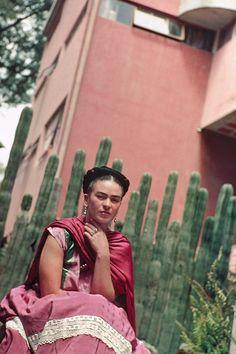 Frida em sua casa.