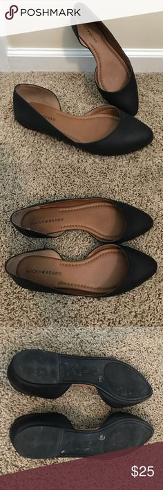 Lucky Brand flats Cute and simple, worn maybe 4 times. Lucky Brand Shoes Flats & Loafers
