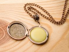 CINNAMON+BUN+Solid+Perfume+Locket+(organic)+from+Jessica&CoJewelry+by+DaWanda.com