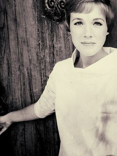 Fairly certain Julie Andrews is the most elegant and beautiful woman to ever walk this earth